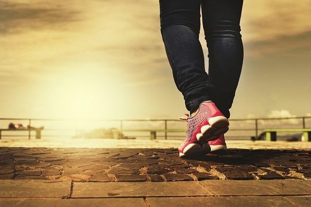 marcher, bon pour la santé. 2 heures pour